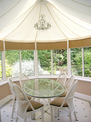 Made-to-measure inner canopy for a conservatory